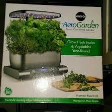 miracle gro aerogarden harvest plus led premium indoor gardening system 100643 g