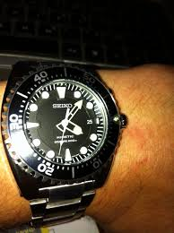 "men s seiko diver kinetic watch ska371p1 watch shop comâ""¢ mens seiko kinetic divers watch silver silver metal strap and a black dial very pleased my choice although it was the most expensive of the"