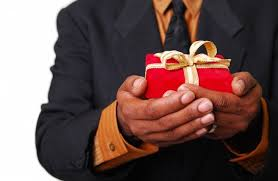 Блог компании Предметика Что подарить научному руководителю после  Как правильно выбрать подарок