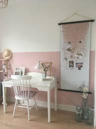 Leuke Meidenkamer Roze Met Wit En Accent Zwart Halve Muur