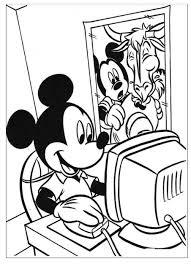 Kleurennu Mickey Achter De Computer Kleurplaten