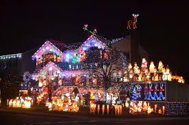 Amazing Christmas Lights On Houses Santas Corner In Whitestone Returns With An Amazing