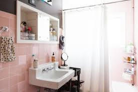 towel holder ideas for small bathroom. (Image Credit: Ellie Arciaga Lillstrom) Towel Holder Ideas For Small Bathroom K