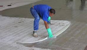 Caso o mármore esteja em áreas externas, exposto às intempéries poderia ser aplicada uma resina a base de água ou base solvente,. Pintura Poliuretano U 4000 Polipox