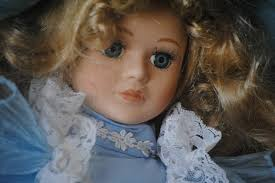Risultati immagini per bambole porcellana viso