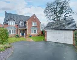 Defford Close, Webheath, Redditch, B97 5WR. £499,950. 5 Bedrooms 3 Bathrooms