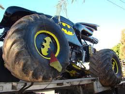 batman the monster truck from world
