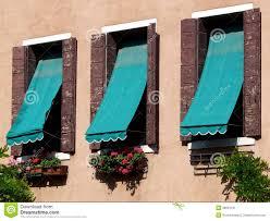 Drei Fenster Mit Markisen In Venedig Stockbild Bild Von Hinterhof