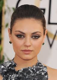 mila kunis makeup golden globes
