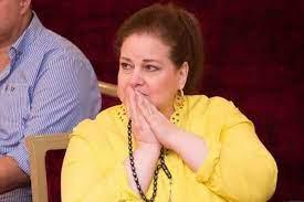 دلال عبد العزيز تطلب الوداع الأخير في جنازة سمير غانم رغم تدهور حالتها  الصحية