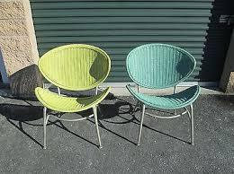 Pair Vtg Mid Century Modern Wicker Bent Aluminum Lounge Side Clam Shell Chairs
