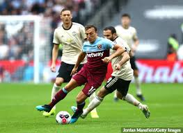 Man united saw off rivals paul pogba went off injured against everton and could miss out here as a result. Gary Neville Claims Mark Noble Dominated The Midfield After West Ham S Win Over Manchester United