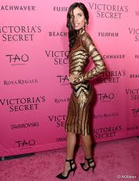 span span sara saio attends the 2016 victoria s secret fashion show after