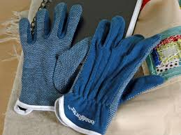 Free Motion & Applique Workshop Info — The Stitchery & Machine quilting gloves Adamdwight.com