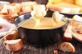 מתכון: פונדו גבינה לארוחת ערב קצת אחרת