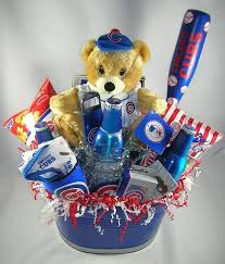 chicago cubs gift basket clic 79 99 i sooooooooooo would love to have this wonder if my kids will see this lol sports chicago cubs gifts