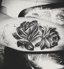 тату на внутренней стороне плеча цветы фотонули во врем Flickr