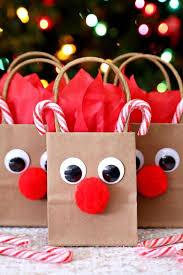 Pin by Hilda Harvey on ..Christmas Cheer..   Reindeer gifts, Diy christmas  gifts, Fun christmas crafts