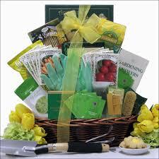 gardening gift baskets gardener s delight