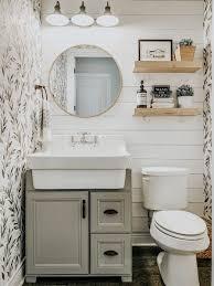 Bathroom decor ...