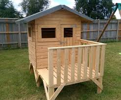 99 best Pallet Projects for Kids images on Pinterest   Pallet together with how to build a playhouse out of wooden pallets   Google Search furthermore Best 25  Pallet house ideas on Pinterest   Pallet house plans moreover  additionally Best 25  Pallet furniture kids ideas on Pinterest   Pallet besides  also Cute pallet playhouse    How Do It Info   Google    play house furthermore Playhouse with Pallets   Yard Ideas   Pinterest   Playhouses furthermore Wooden Pallet Kids Playhouse Plans   Recycled Things as well  likewise Kids want a playhouse  Why not make one using recycled pallets. on project wood pallet playhouse plans