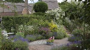 how to plan a cottage garden from