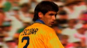 Gol atmak için deli gibi uğraşırken olmadık bir zamanda kendi. Two Escobars One World Cup Guide