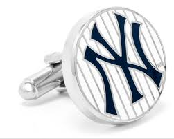 a great gift for the ny yankee fan on your gift list this pair of new yankees cufflinks offical major league baseball licensed item es in a special