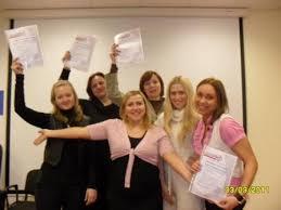 Новости Инновационный кадровый центр В однин весенний мартовский день завершились курсы Адаптация персонала Счастливые и овладевшие тайными знаниями об адаптации участники получили дипломы