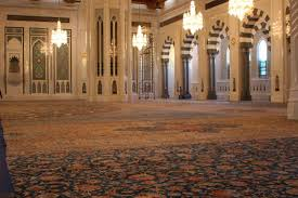 sultan qaboos grand mosque the 2nd biggest carpet in the world 1 700 000 000 knots