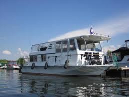 chris craft aquahome houseboat