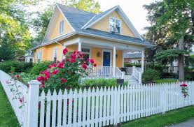 front yard fence design. Cute Home With White Picket Fence. Front Yard Fence Design C