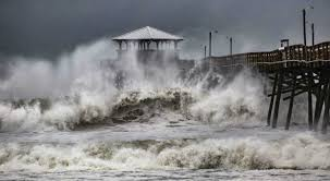 Imagini pentru furtuni,uragane