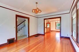 interior de la casa vacía living edor en color blanco con piso de madera dura interior blanco casa foto de iriana88w foto de