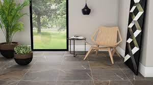 Outro exemplo de decoração com piso vinílico na sala de jantar. Piso Escuro Use Com Leveza Para Construir Ambientes Blog Pointer Revestimentos Ceramicos