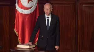 قيس سعيّد يصبح رسميا رئيسا لتونس بعد أداء اليمين الدستورية