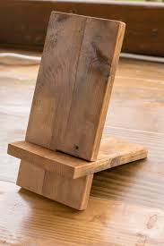 the two pieces of 1 6 pine fit together to make a stand for your ipad phone or tablet