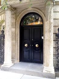 Elegant front doors Design An Elegant Statement Starts At The Front Door Gorgeous Black Doors In Nyc Via Madebygirl Pinterest An Elegant Statement Starts At The Front Door Gorgeous Black Doors