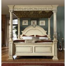 Amber Canopy Bed
