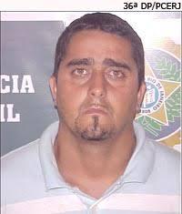 Policiais civis da 36ª DP (Realengo) prenderam na última sexta-feira (22/01), na Penha, Marlon Pereira de Souza. De acordo com os agentes, ele é apontado ... - 250110_36dp