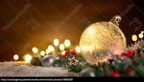 Stockfoto 19608309 Transparente Weihnachtskugel Und Weihnachtsdeko In