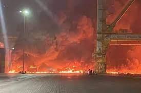 انفجار في ميناء جبل علي النفطي في دبي