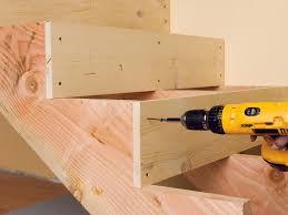Jetzt die perfekte treppe finden und den passenden eine sehr interessante treppenvariante ist die kombination zwischen holz und stahl im treppenbau. Holztreppe Selber Bauen Einfache Anleitung Und Tipps