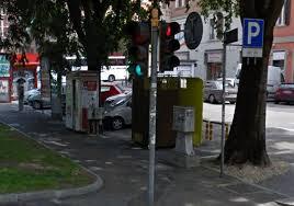 Cabina Fototessere Torino : Piazza unità spaccia nella cabina delle fototessere nei guai enne