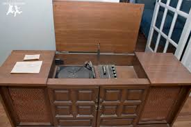 Rebuild and Modernize an Old Stereo Console – DIY