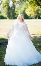 long sleeves wedding dress for plus ladies full figure size
