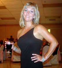 Mature woman dating service
