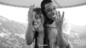 beyonce and jay z s best pda moments pictures celebrity the singer couldn t contain her laughter when they snapped this sweet photo in