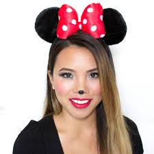 Minnie Mouse Costume Makeup Tips (with Pictures)