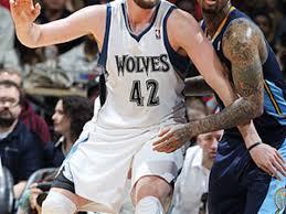 Bei einer größe von 2,03 metern wird er hauptsächlich als power forward, aber auch als center eingese Minnesota Timberwolves F Kevin Love Hand Out 6 To 8 Weeks Sports Illustrated
